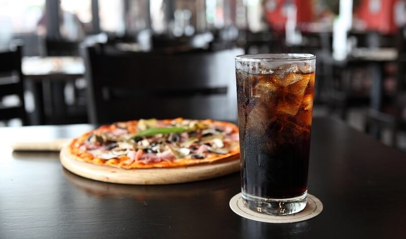 Drink recommendations for adults and kids with pizza