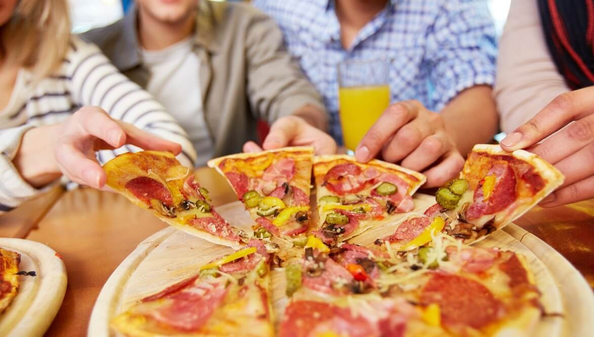 how to celebrate pizza party