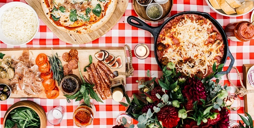 pizza cooking table
